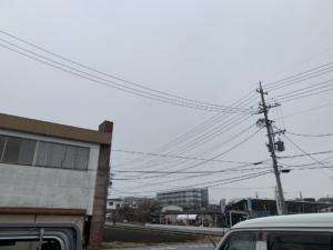 今日も箕輪町に雪がふっています。