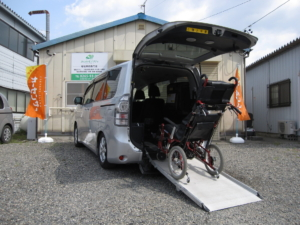 トヨタ ウェルキャブ 4WD ヴォクシーX Lエディション 車いす2脚仕様車 スロープタイプ