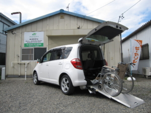 トヨタ ラクティス ウェルキャブ 車いす仕様車